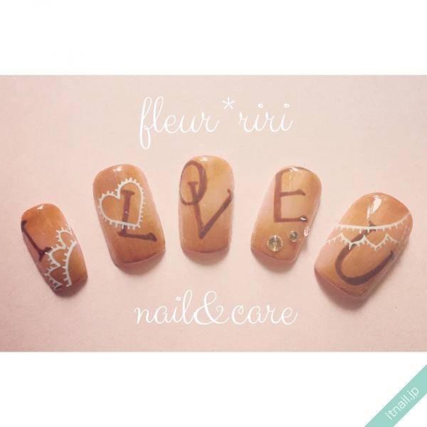 5本の爪を使って伝える「I LOVE U」