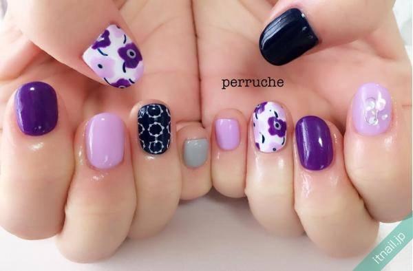 紫を組み合わせたオシャレなマリメッコ柄