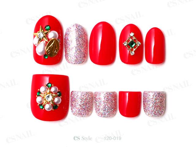 クリスマスらしく赤とMIXラメにビジューを合わせて華や...