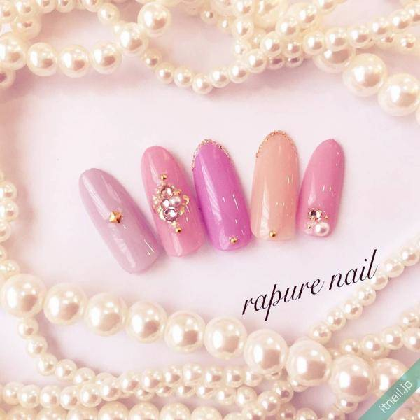 ピンク×スタッズネイル