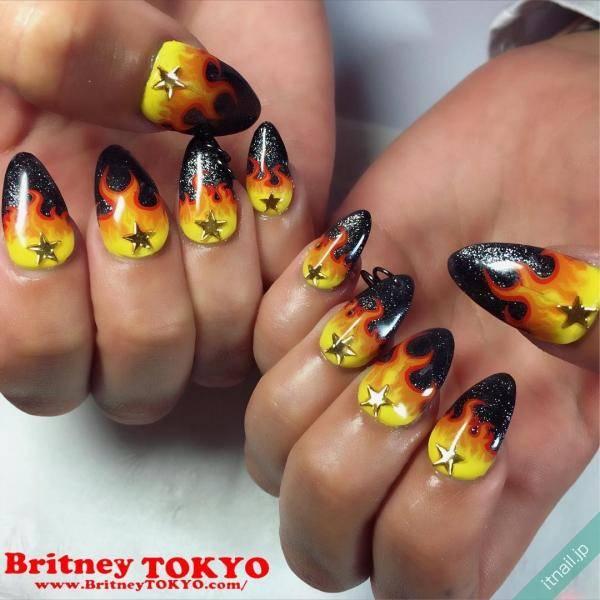 Britney TOKYOが投稿したネイルデザイン [photoid:I0044501] via Itnail Design (583499)