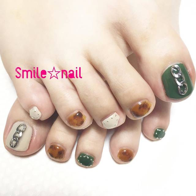 "Smile☆nail😊yukari on Instagram: ""大田原定額ネイルサロン Smile☆nailのyukariです(*^^*) こちらはお持ちデザイン&お持込みパーツです♪ 秋らしいカーキとべっ甲の組み合わせ((* ´艸`)) お爪が少し傷んでいたので、ビタミン配合のノンサンディングジェルで施術しました😘…"" (589135)"