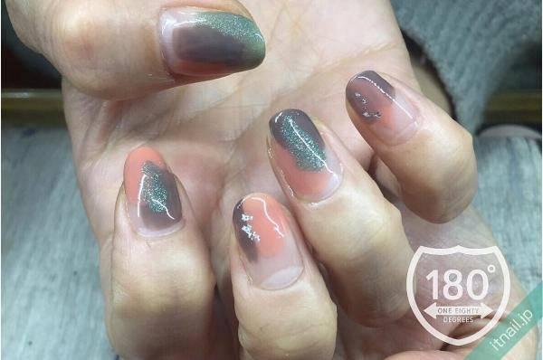 180°degrees nail and eyelash