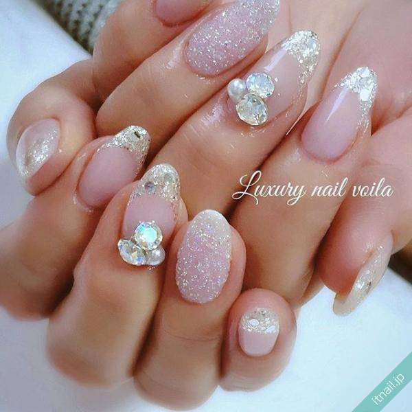 Luxury Nail Voila