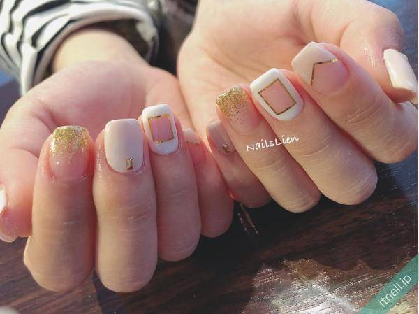 Nails Lien