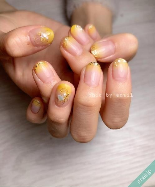 chic by enailが投稿したネイルデザイン [photoid:I0094458] via Itnail Design (639997)