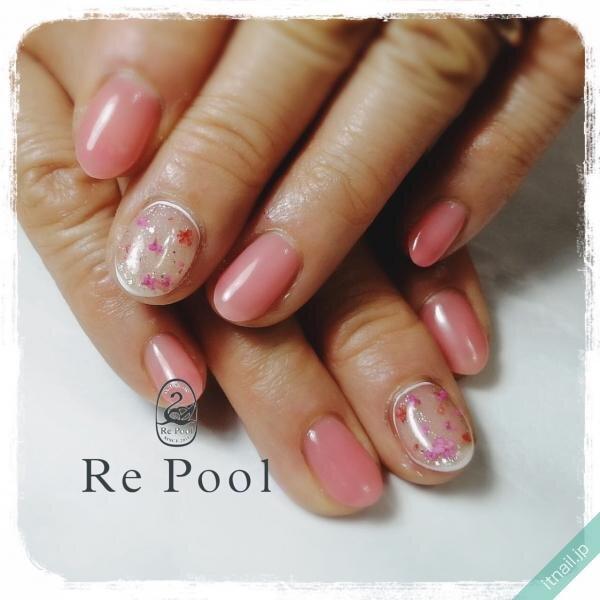ピンクが可愛い水中花ネイル