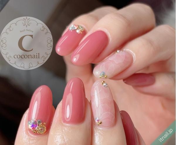 2色のピンクとシアーフラワーネイル