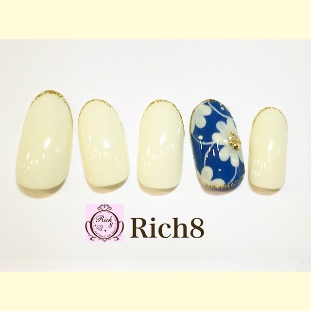 New sample 🌼🌼🌼 rich8原宿さんのネイル