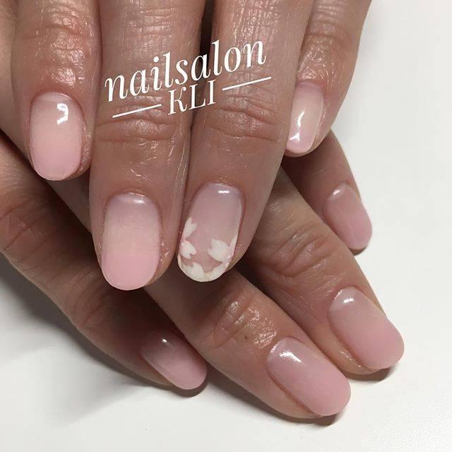 グラデーションのピンクカラーが可愛らしい♡桜のデザイン...