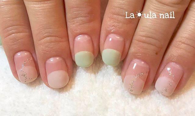 ミントグリーンとピンクの淡いカラーの丸フレンチ♡キュー...