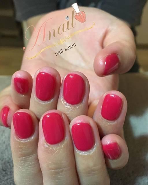 少しピンクがかったカラーが魅力のピンキッシュレッドのワ...
