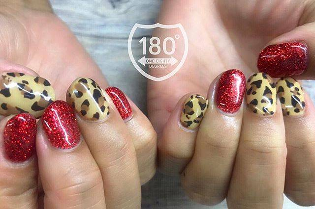 """180°degrees nail and eyelash on Instagram: """"🐆💋💅 . leopard × red let's party!! #ヒョウ柄 #animalnails #leopard  #partynail #radnail #trend . . . #180degrees #180degreesnaileye #nail #nails…"""" (589833)"""