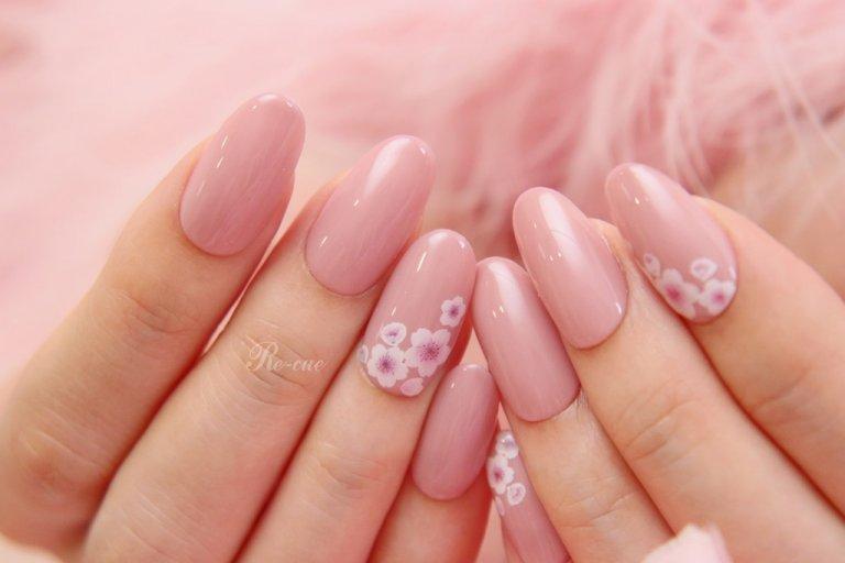 ピンクと桜で最強の癒しネイル