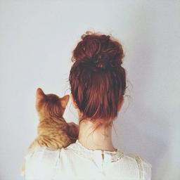 ローラちゃんも♡癒されたい女子が真似したいおしゃれで大人な猫ネイル♡